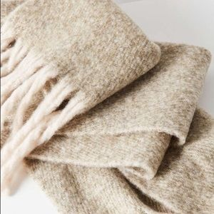 Urban Outfitters Knit Fridge Cozy Scarf
